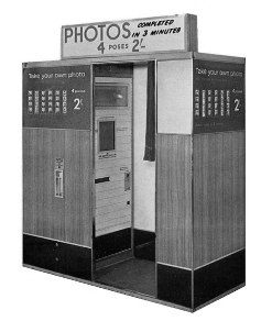Model17 Photo Booth