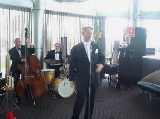 Greg Poppleton 1920s and 1930s style Swing Jazz Singer