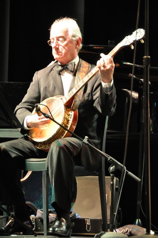 Grahame Conlon, banjo