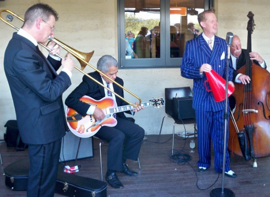 We were asked to play the first set on the lawn as a duo or trio for pre-dinner drinks. But a quartet is even better (at no extra cost)! Greg Poppleton (voc) Geoff Power (trombone and trumpet) Chuck Morgan (guitar) Darcy Wright (double bass)