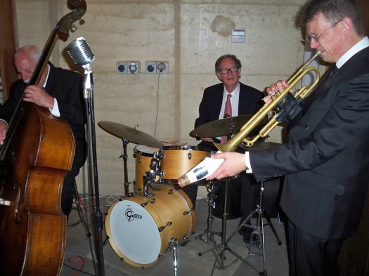 Lawrie Thompson drums, Geoff Power, muted trumpet, Darcy Wright double bass with Greg Poppleton and the Bakelite Broadcasters