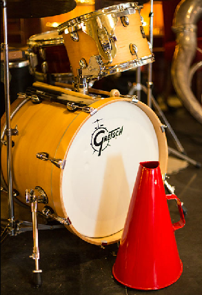 Drums and megaphone-Greg Poppleton and the Bakelite Broadcasters