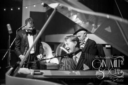 Greg Poppleton and the Bakelite Broadcasters playing a hot instrumental version of Hindustan. Greg can't play the piano as such. However he has played film roles opposite 3 Academy Award winners - so he knows how to play 'Hollywood movie piano' just right.