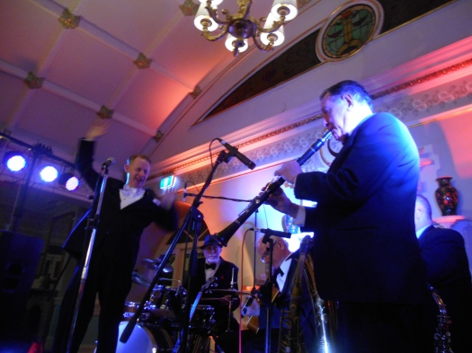 Greg Poppleton and the Bakelite Broadcasters at the Hydro-Majestic Hotel. That's Paul Furniss on clarinet.