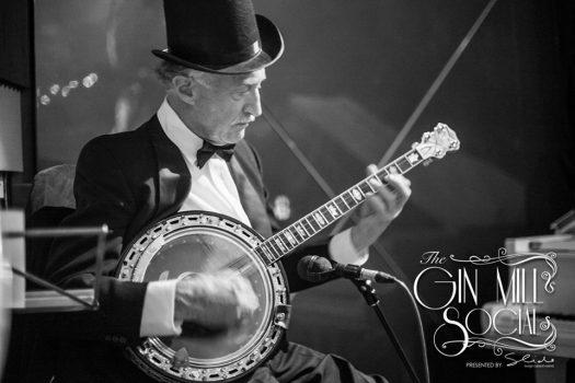 Virtuoso jazz banjoist, Paul Baker, with Greg Poppleton and the Bakelite Broadcasters.