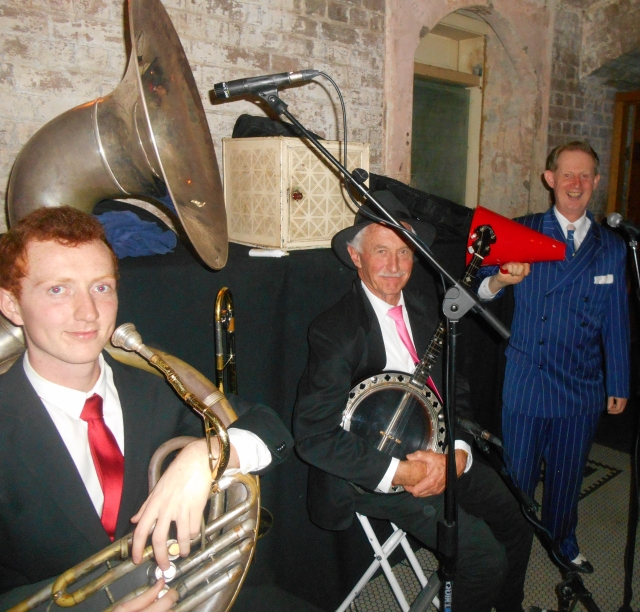 The 1920s Trio at Palmer & Co. (L-r) Greg Chilcott sousaphone and trombone, Paul Baker banjo, Greg Poppleton 1920s vocals.