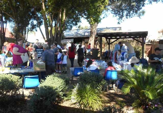 fairfield trash and treasure market