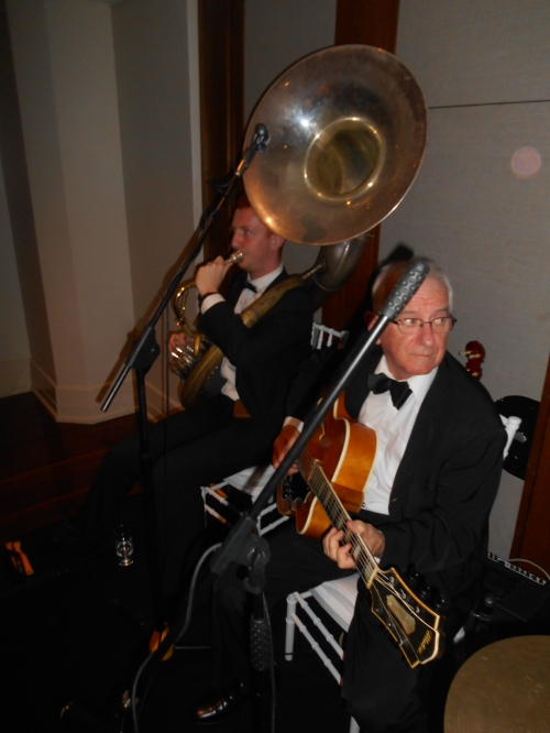 Two Greg Poppleton and the Bakelite Broadcaster favourites from many shows, weddings, parties and corporate events. Grahame Conlon guitar doubling banjo and Greg Chilcott on the massive sousaphone. The song - Over the Rainbow.