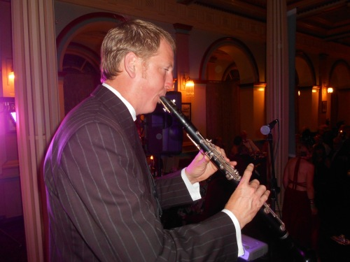 Ben Jones on clarinet doubling alto sax