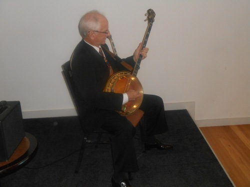 Grahame Conlon on the banjo and guitar