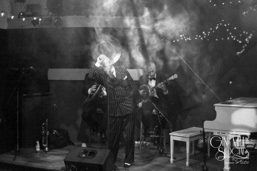 Greg Poppleton and the Bakelite Broadcasters through the mists of time. Geoff Power (sousaphone / trumpet) Greg Poppleton (authentic 1920s vocals) Paul Baker (banjo).
