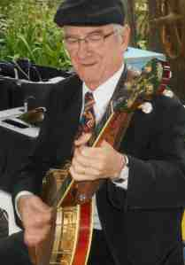Grahame Conlon banjo, also played guitar for Jazz At The Pines