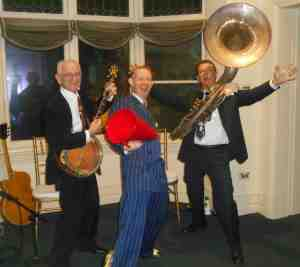 The 1920s jazz trio: Grahame Conlon guitar, Greg Poppleton 1920s vocals and megaphone, Geoff Power sousaphone