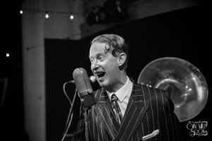 Greg Poppleton, authentic 1920s singer, with his Bakelite Broadcasters kick off the April Gin Mill Social
