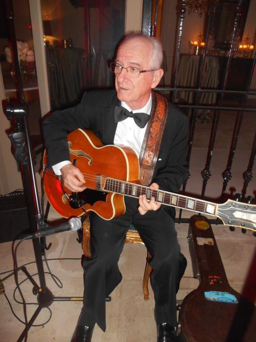 Grahame Conlon jazz guitar and banjo