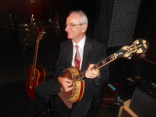 Grahame Conlon on the banjo and guitar. He'll also be with Greg at Foundry 616 for an exciting 1920s-30s show, Thursday 19 January. TICKETS