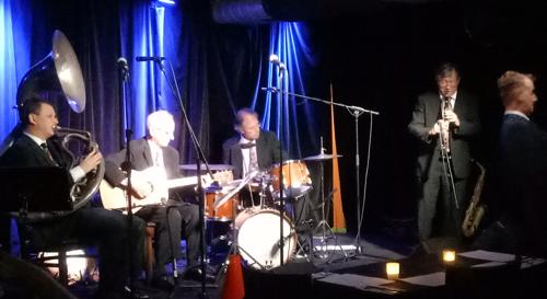 jazz-club-1920s-singer-greg-poppleton