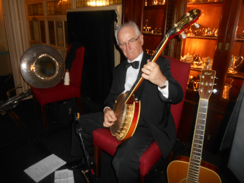 Grahame Conlon plays banjo on Carolina In The Morning