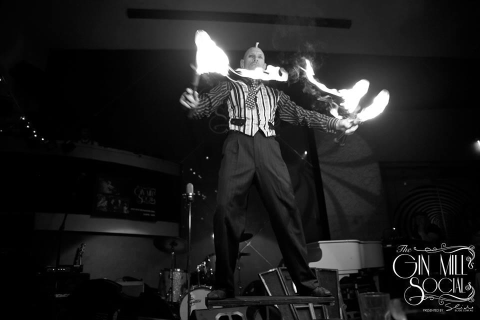 finhead-fire-juggling