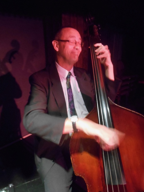Dave Clayton with the Greg Poppleton band blissing out on the double bass