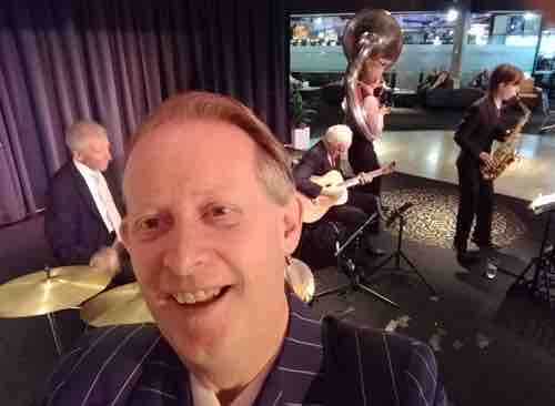 Here I am saying cheese as the band plays Cherokee. Greg Poppleton 1920-30s vocals, Bob Gillespie drums, Grahame Conlon guitar and banjo, Cazzbo Johns sousaphone, Damon Poppleton alto sax.