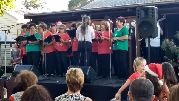 Fairfield Xmas veterans like Greg Poppleton, The Spanish Speaking Community Choir was established in 2012 as an initiative of the NSW Service for the Treatment and Rehabilitation of Torture and Trauma Survivors STARTTS. Over the last 5 years the SSCC has reunited members from all over Central and South America and Spain singing together in one voice the most popular and classic Latin-American repertoire and keeping alive their Latin roots. They finished their set with Feliz Navidad.