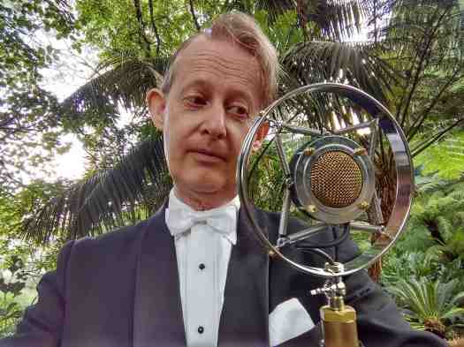 Greg Poppleton Australia's only authentic 1920s - 30s singer