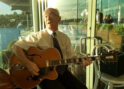 Grahame Conlon guitar and banjo
