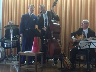 A guest photo. Greg Poppleton and Dave Clayton . double bass singing, 'Yes, We Have No Bananas'.