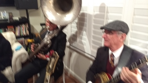 A blur of action with Geoff Power sousaphone and Grahame Conlon banjo in the Greg Poppleton 1920s Trio