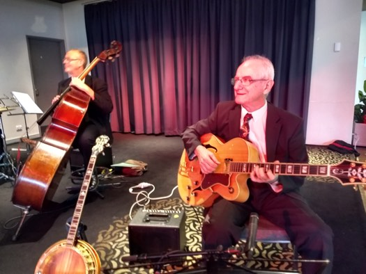 Greg Poppleton swing duo. Grahame Conon guitar, Dave Clayton double bass