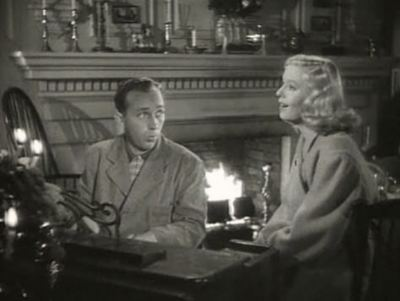 Martha Mears singing 'White Christmas' with Bing Crosby in the movie 'Holiday Inn'.