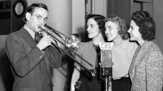 Glenn Miller and the Andrew Sisters 1940